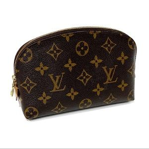 LOUIS VUITTON Monogram Cosmetic Pouch PM Make Up